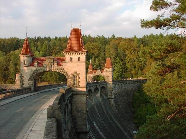 Česko, Les Království - Přehrada na Labi