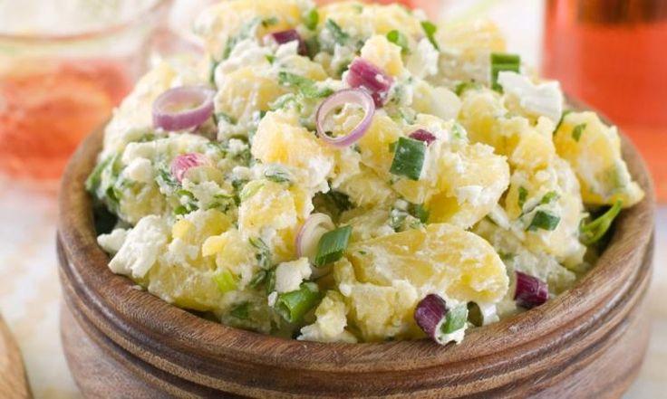 Cette salade de pommes de terre à tout pour plaire... été comme hiver