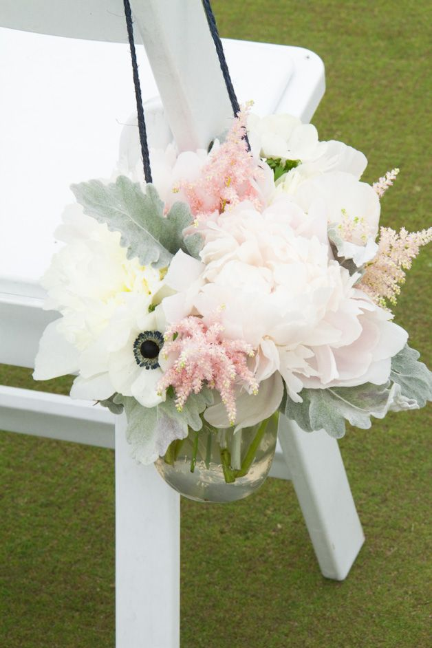 Blush, white and navy flowers for a summer wedding by Living Fresh.