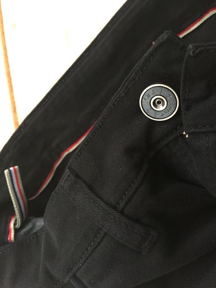 U-G Jeans  details
