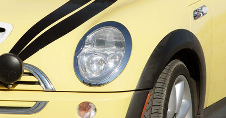 """¿Qué empresa de automóviles hace el Mini Cooper?. Apareció en películas como """"Austin Powers en Miembro de Oro"""", el Mini Cooper es un carro icónico que es conocido por su pequeño tamaño y estilo elegante. El Mini Cooper es en realidad un auto derivado de la línea de los carros Mini que son populares en todo el mundo."""