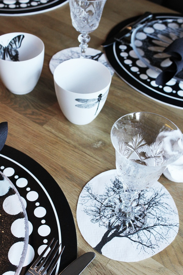 Table setting inspiration in black and white