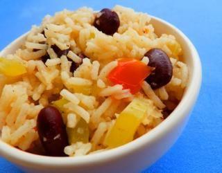 Moros y Cristianos | Κουβανέζικο ρύζι με μαύρα φασόλια at cooklos.gr