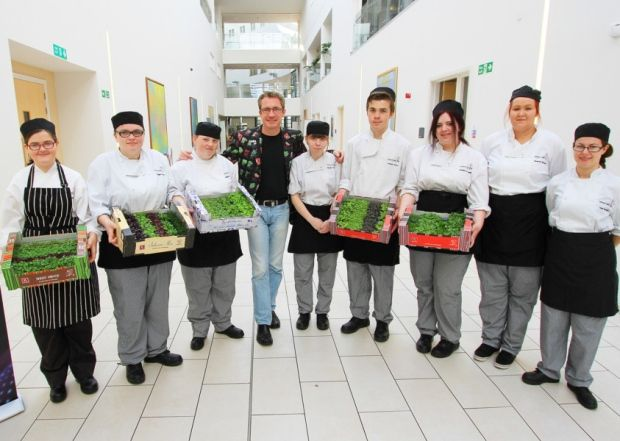 Top micro-vegetables passes on nuggets of knowledge to Hartlepool students #koppertcress
