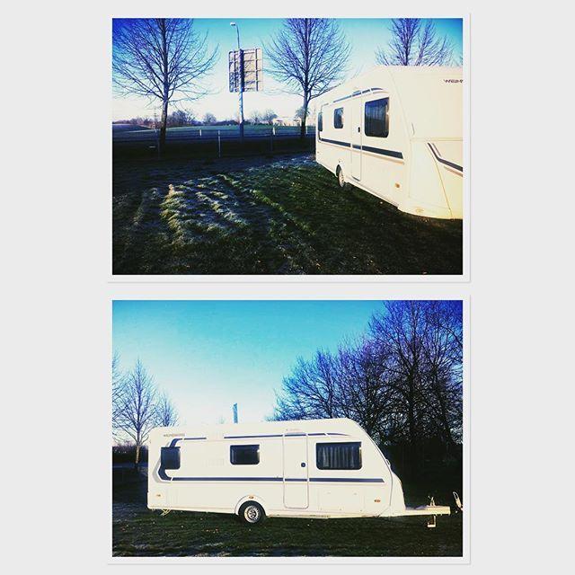 Auf dem #bild seht ihr heute unseren #wohnwagen von #weinsberg 👉🏼 den #caraone 550 QDK ... dieser ist für #familien besonders gut geeignet ... 👨👩👧👦👭... #familienurlaub#camping#lagerfeuer#erholungpur#familie#urlaub#reisen#ferien#ostsee#natur#heimat#strand#mecklenburgvorpommern#erlebnisse#familienzei#sonnenuntergang#aufunddavon#photooftheday#vermietung#rostock#neubrandenburg#nordsee#wanderlust#badeurlaub#entspannung