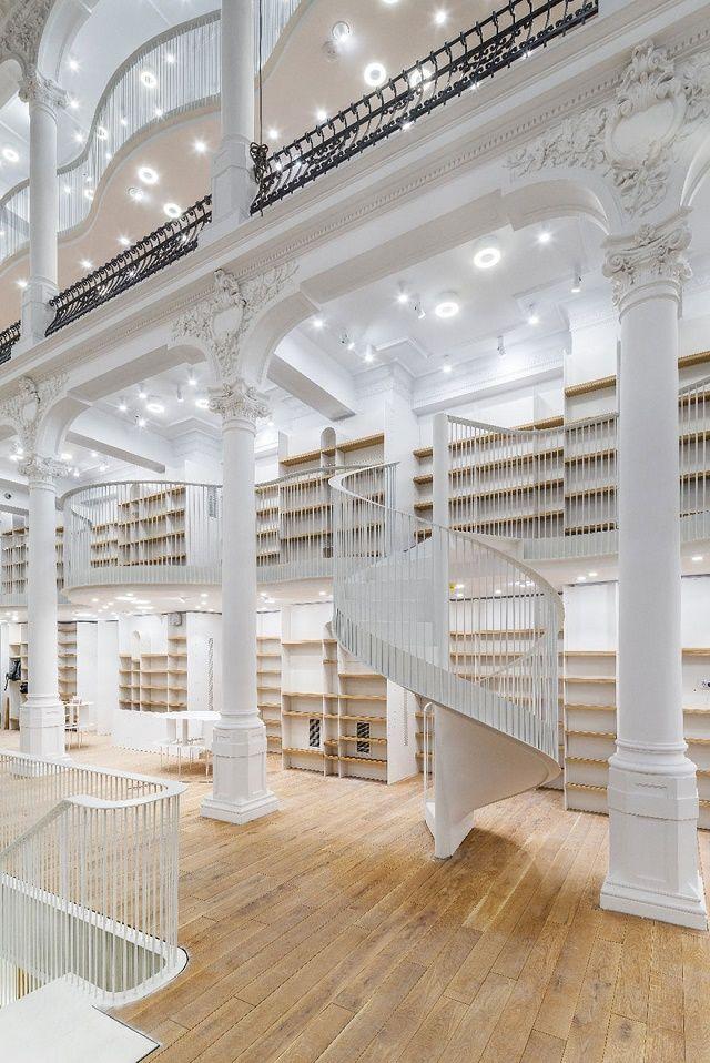 150222ECcarousel-of-light-library3