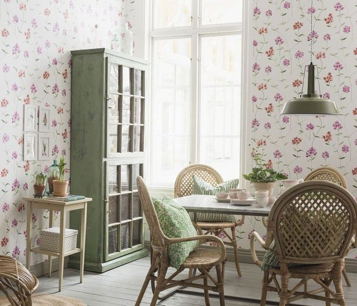 A Pretty Dining Room Love The Green Cabinet