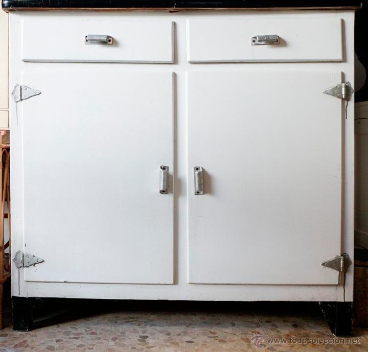 Mueble de cocina a os 60 madera y formica el desv n de for Muebles de cocina anos 80