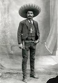 """Clases particulares a domicilio, formación, regularización, ayuda con las tareas, idiomas, computación  Emiliano Zapata, el """"Caudillo del Sur"""", tuvo gran importancia en en derrocamiento de Porfirio Díaz.  Posterirmente, en 1913, después de que Victoriano Huerta asesinara a Madero y ascendiera a la presidencia, luchó, Zapata, para sacarlo de la Presidencia.  Su campo de acción fue, principalmente, en el Estado de Morelos, lugar de su nacimiento, y su bandera principal, la Reforma Agraria."""
