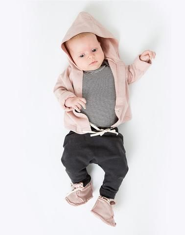 Description This classic design is made from 100% GOTS organic certified cotton jersey with a fleecy underside to guarantee your little one is cozy. Worn With: Gray Label Baggy Pants In Black and Raw