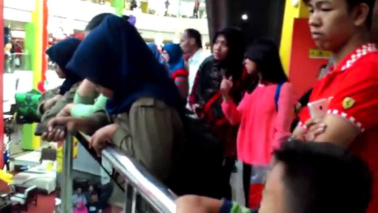 Suasana Pembukaan Pameran Mobil di PTC Mall Palembang