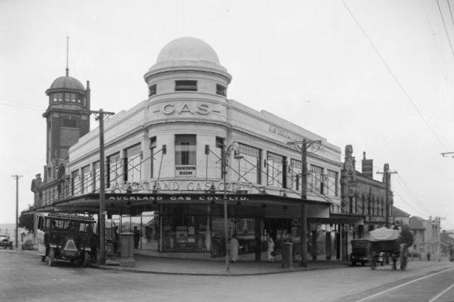 Beresford Street and Pitt Street, Auckland, 1920
