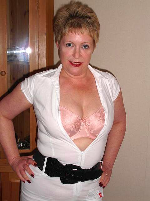 Mature ameteur crossdressers