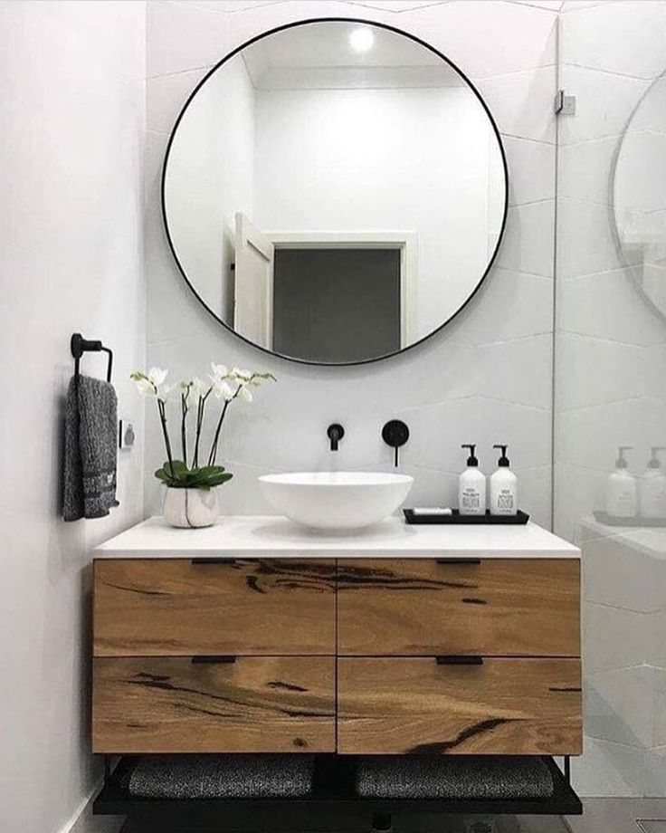 When it comes to bathrooms it's all about the round mirrors and the matte black tapware. And we've got you covered on both counts! Search 'Print Decor' for our huge range of (on sale!) round mirrors and 'Meir' for statement tapware. #theblockshop #blockshopper #regram @print_decor