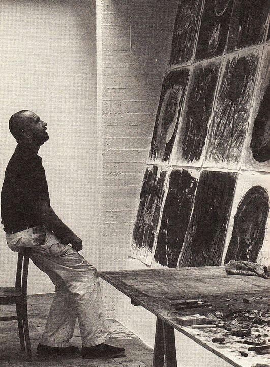 Georg Baselitz (1938) is een Duits beeldend kunstenaar (schilder, beeldhouwer, tekenaar en graficus). Zijn werk wordt binnen de hedendaagse kunst gerekend tot het neo-expressionisme. Het bevindt zich op het snijvlak van figuratie en abstractie. Uiterlijk zijn de schilderijen verwant aan de action painting-variant van het abstract-expressionisme, in hun formaat, ruige textuur en gebaren.