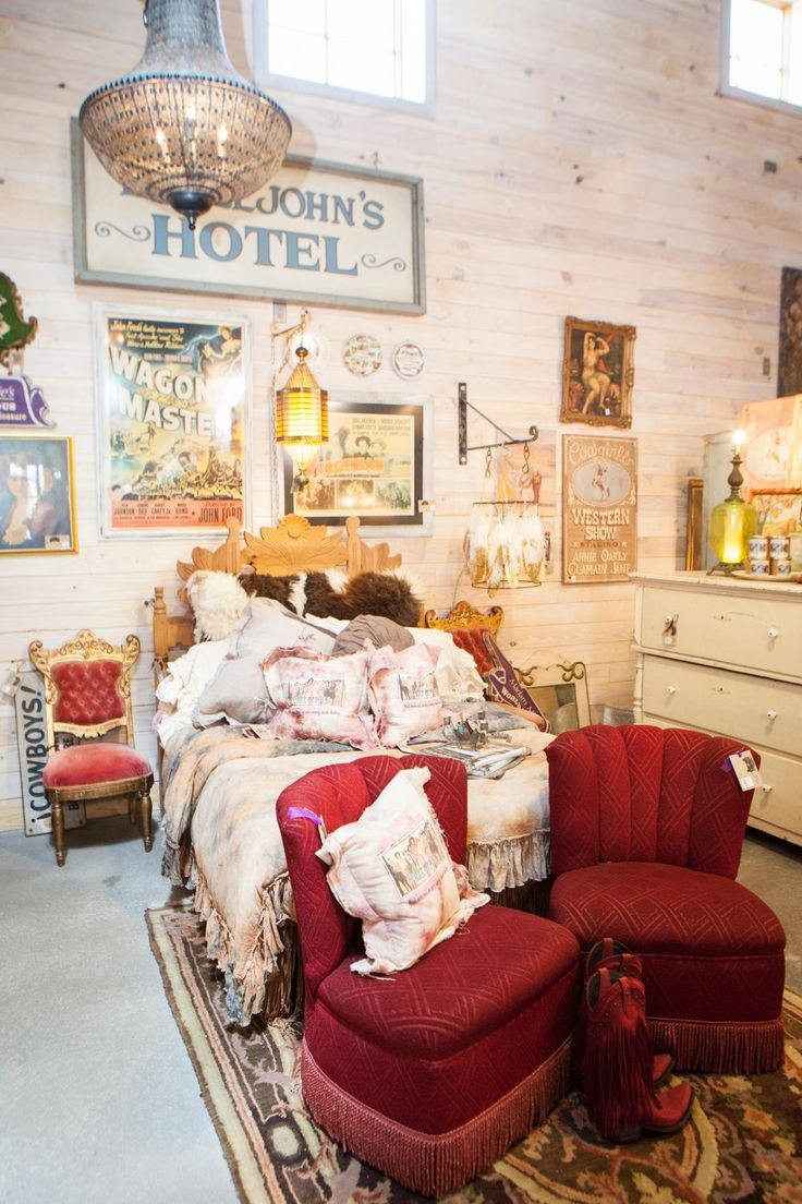Junk Gypsies Mix And Match Décor Can Be Easy To Accomplish. This Design  Includes A Vintage Sign From The Movie The Long, Hot Summer, Old Western  Posters, ...