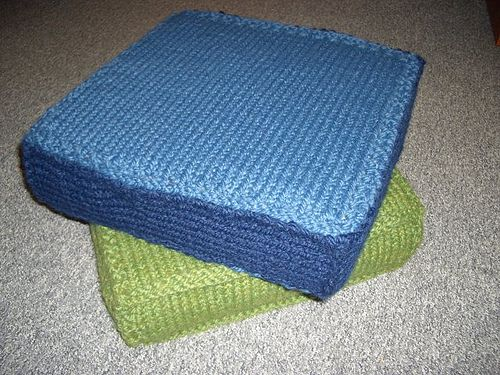 17 best images about crafts knit pillows on pinterest for Floor knitting