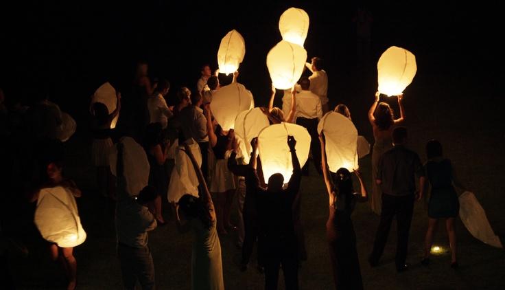 Sky-lanterns. Photographer: Erika Turvey @ MakeBelievePhotography
