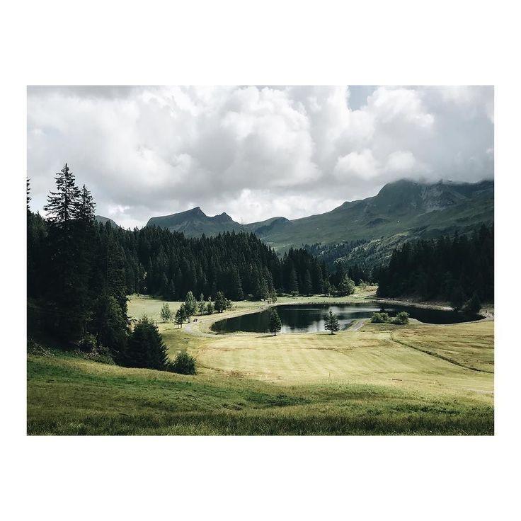 So nice to be back where I raised up the fist 6 years of my life  . . . . . . #hometown #homevillage #villagelife #purenature #mountaingirl #mountainlife #mountainview #mountainseverywhere #switzerland #hochybrig #oberiberg #meinzuhause #isntthisbeautiful #naturelove #naturelife #selfjourney #backtotheroots #mumlife #travel #holidaytravel #travelwithmyson #loveyourself #loveyourfamily