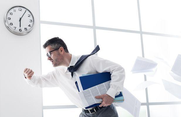 Freistellung von der Arbeit: Wann Mitarbeiter Anspruch auf bezahlte Freistellung haben