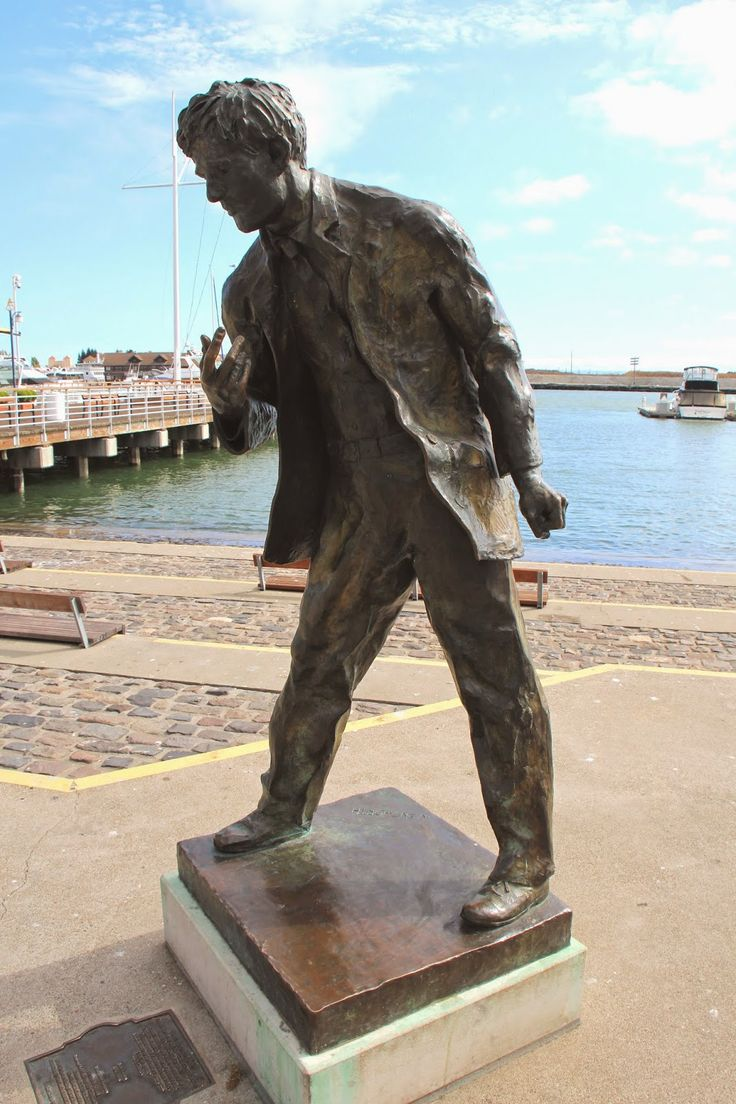 Jack London Square at Oakland, California -  life sized bronze stature of Jack London standing watch over the waterfront at the foot of Broadway. This bronze sculpture was created by artist Cedric Wentworth.     (1066×1600)
