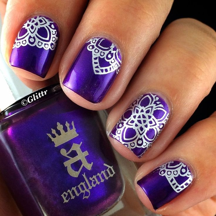 Silver Stamping over A England's beautiful Avalon with MoYou Explorer Plate No 03 - Nailpolis: Museum of Nail Art