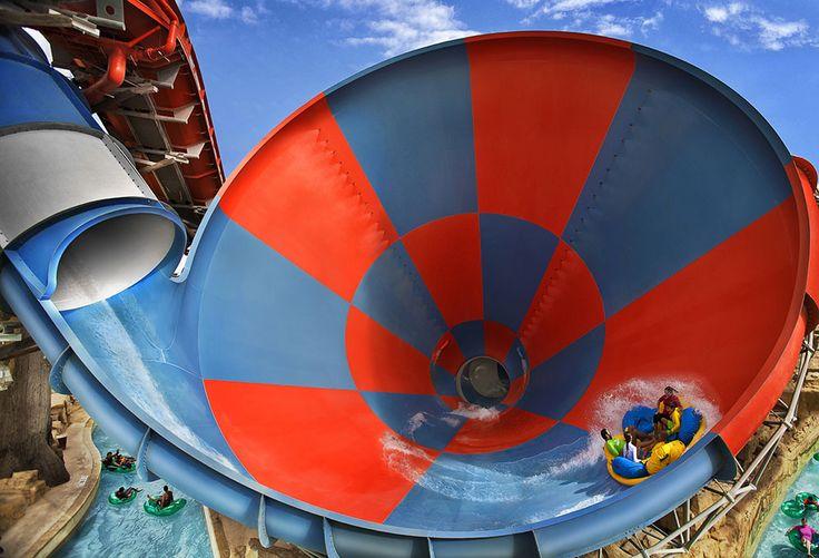 Yas Waterworld, parc aquatique à découvrir en famille