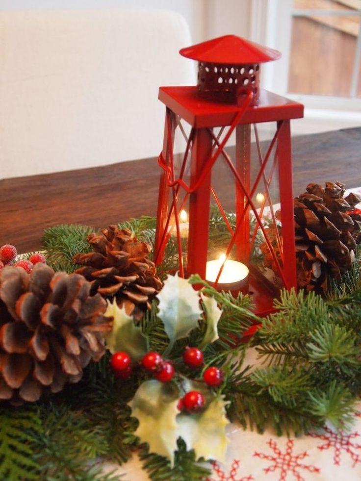 Tisch weihnachtlich dekorieren - Laterne mit Tannenzapfen dekorieren