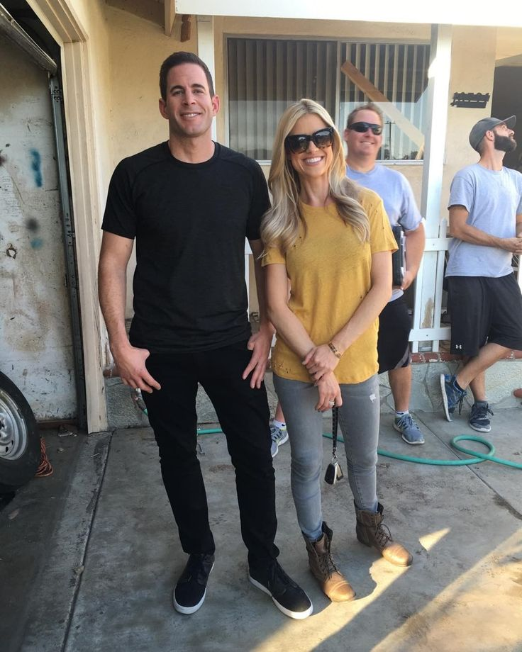 'Flip or Flop's Christina El Moussa on Tarek El Moussa split: Communication stopped we didn't even drive to houses together Flip or Flop star Christina El Moussa is shedding some light on why her marriage to Tarek El Moussa crumbled and ended in divorce. #FliporFlop #GoodMorningAmerica @FliporFlop