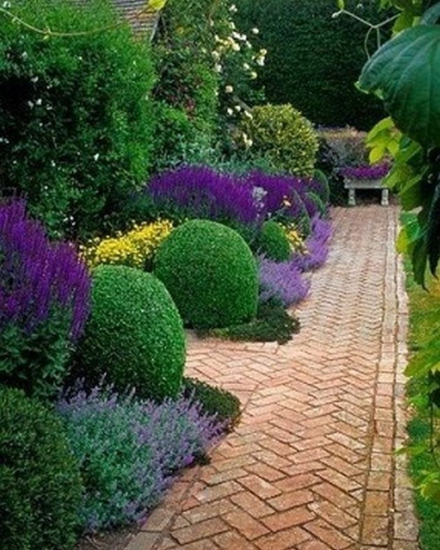 60+ Formal Garden Design Ideas_58