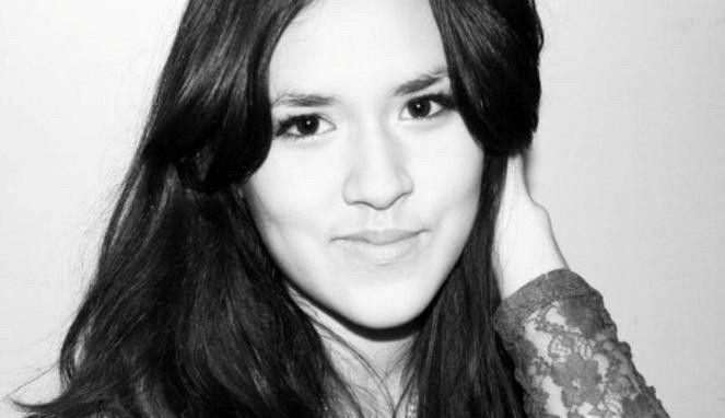 Good morning, Raisa! I don't have any idea to express how beautiful you are, love you a lot {}