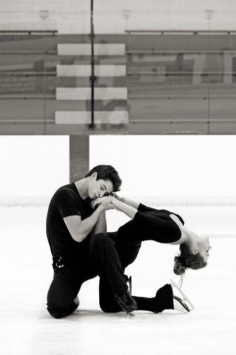 Canadian Olympic gold medal ice dancers Tessa Virtue and Scott Moir - September 2009