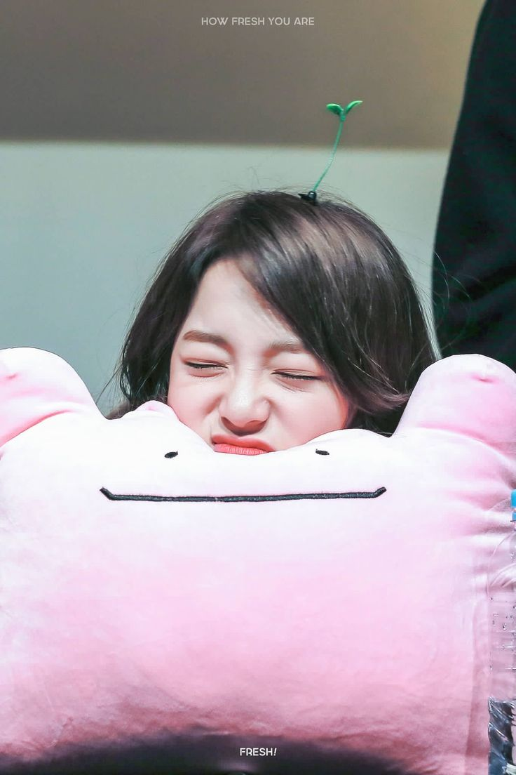 170310 - Kim Sejeong @ Daehangno Fansign Event (cr. Howfreshyouare) | Twitter