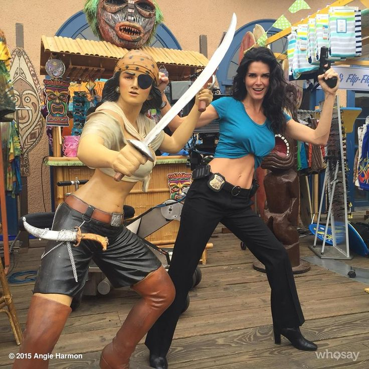 Angie Harmon 1 hr ·  It's ‪#‎piratejane‬ ! Hey @JanNash100 I see a new story a' brewin'! @RizzoliIslesTNT ‪#‎blessed‬ ‪#‎grateful‬  http://www.whosay.com/l/KccaHK5