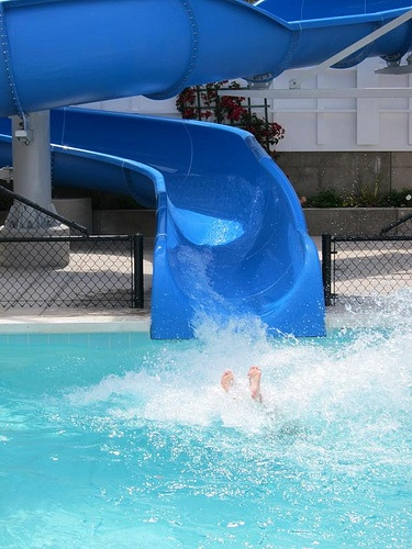 Summer Cool Down: Best Water Parks in Texas Under 60 Dollars