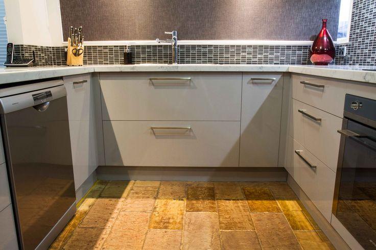 Small U shape kitchen. Contemporary style. www.thekitchendesigncentre.com.au