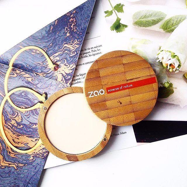 Sağlıklı ve doğal bir makyaj için Zao :) Bambudan gelen güzellik ve doğallık.. Detaylı bilgi ve satın almak için www.zaoorganicshop.com adresine uğrayabilir veya mesaj atarak iletişime geçebilirsiniz :) Photo ~ @alisonfra
