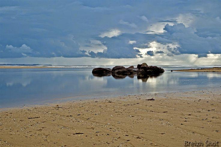 Les abers est un terme celtique qui comme la ria désigne l'embouchure d'un fleuve côtier qui crée une zone de mélange des eaux plus ou moins perceptible. Le terme ria est usité dans le sud Bretagne tandis que le terme aber est utilisé en nord Finistère.