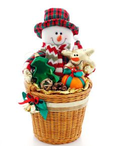 gift basket how-to from tipnut: Homemade Gift Baskets, Christmas Basket Gift, Holiday Gift Basket Ideas, Diy Gift, Homemade Gifts, Diy Christmas Gift Basket, Handmade Gift, Homemade Holiday Gift Ideas, Xmas Gift