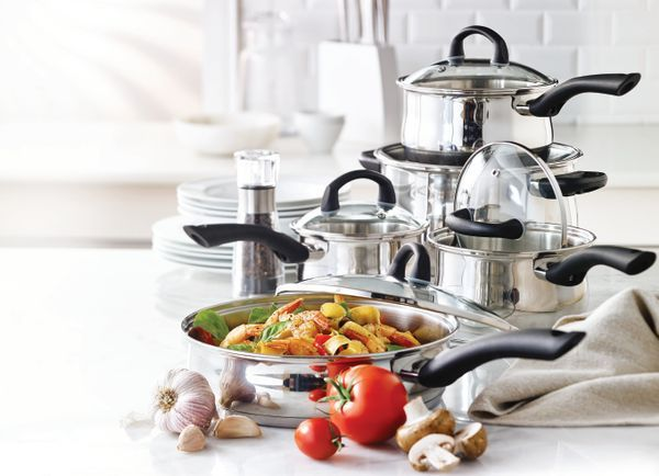 Believe it or not, comfort food season is just around the corner! Cozy up with warm meals all autumn long cooked in the stainless steel Remy Olivier Arezzo Cookware!