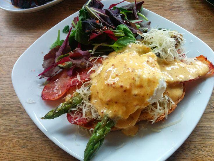 Sydney Breakfast at Highbury Arts Club