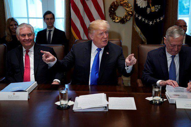 Trump cortaría ayuda a miembros ONU por votación sobre Jerusalén - El presidente de Estados Unidos, Donald Trump, durante una reunión de gabinete en la Casa Blanca en Washington, EEUU, 20 de diciembre de 2017. REUTERS/Jonathan Ernst WASHINGTON (Reuters) – El presidente de Estados Unidos, Donald Trump, amenazó el miércoles con cortar la ayuda financiera a p... - https://notiespartano.com/2017/12/21/trump-cortaria-ayuda-miembros-onu-votacion-jerusalen/