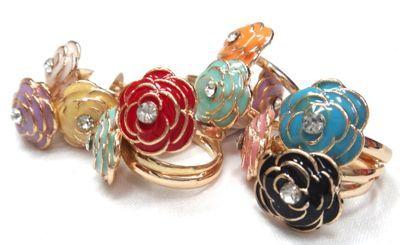 Tenemos variedad de #anillos , diseños bellos adaptados a tu personalidad #moda #estilo #fashion #caracas #venezuela #ccs #vzla #accesorios #bisuteria #ventas #mayor #catalogo www.gscmoda.com