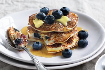 Blueberry buttermilk pancakes http://www.taste.com.au//recipes/25990/blueberry+buttermilk+pancakes
