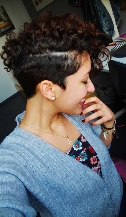 20 Very Short Curly Hairstyles | http://www.short-haircut.com/20-very-short-curly-hairstyles.html