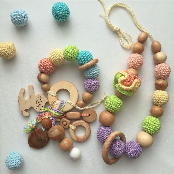 Погремушка и слингобусы для мамы и малыша