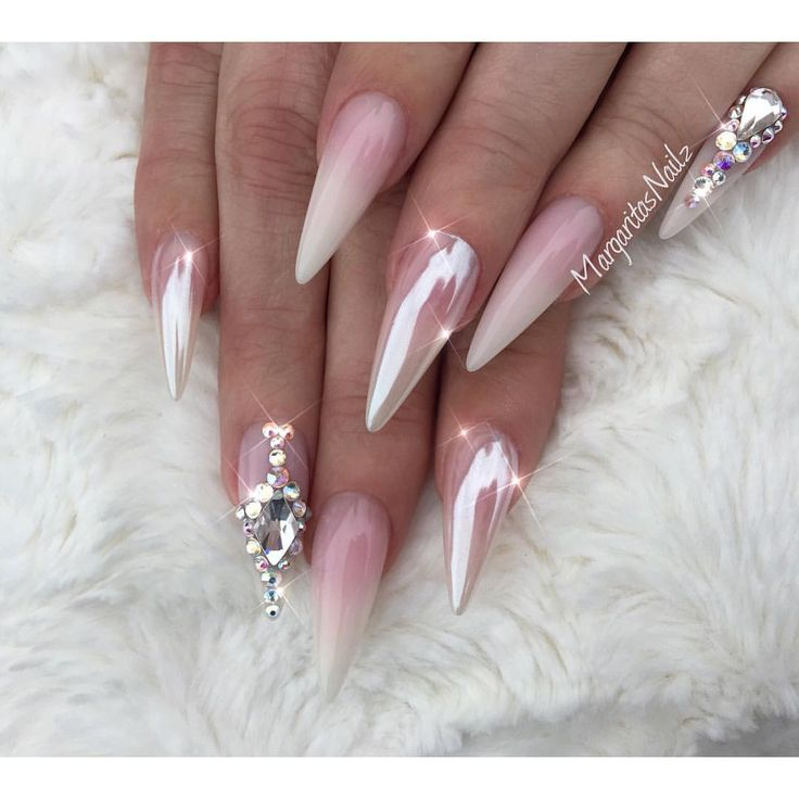 Ombr 233 And Chrome Nails Ombre N 228 Gel N 228 Gel Mit Diamanten Und Pinke N 228 Gel