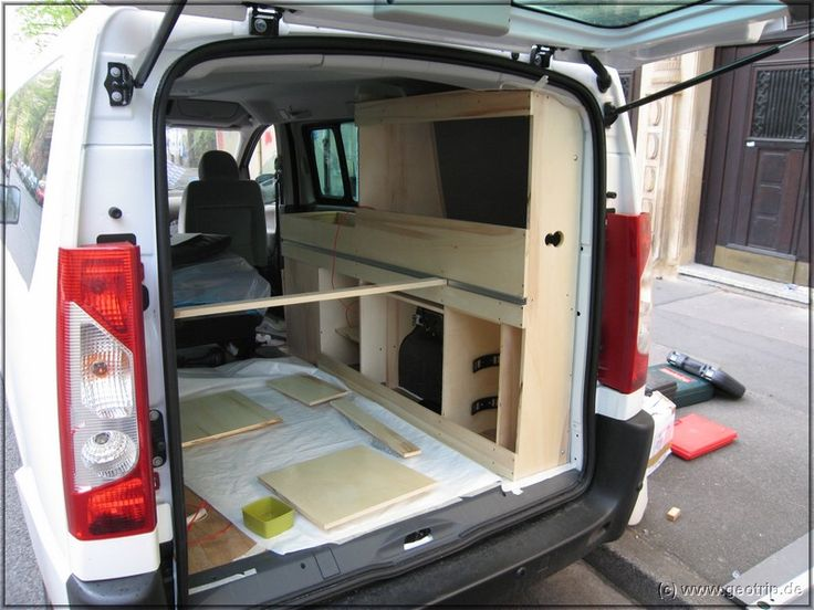 wohnmobilselbstausbau wohnmobil campingbus ausbau und ladefl chen camping. Black Bedroom Furniture Sets. Home Design Ideas