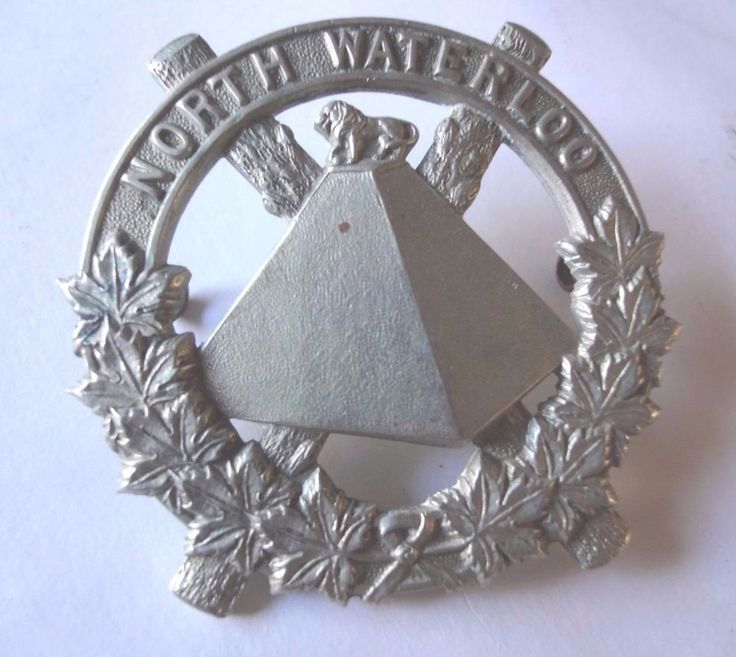 W.W.2  The North Waterloo Regiment Scots Fusiliers of Canada Cap Badge