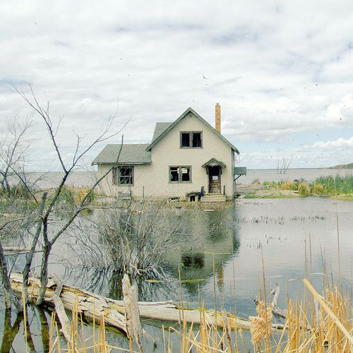 Country home in lots of water!